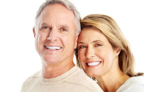 Cấy ghép implant cho người cao tuổi mất nhiều răng 1
