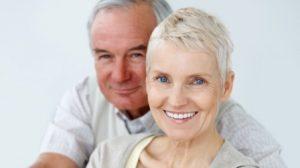 Người cao tuổi cấy ghép implant có hiệu quả không?