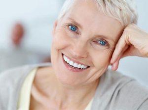 Phục hình sau khi mất răng tránh tiêu xương hàm
